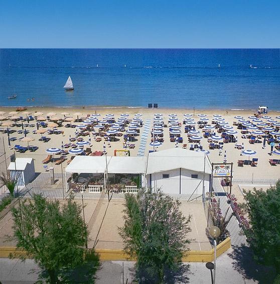 Hotel 3 stelle a senigallia soggiorno e ristorazione di - Hotel con piscina senigallia ...